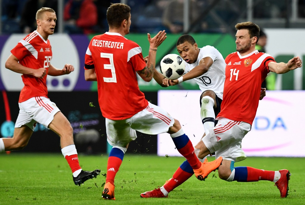 The Russian defence was given a stern test (FRANCK FIFE/AFP/Getty Images)