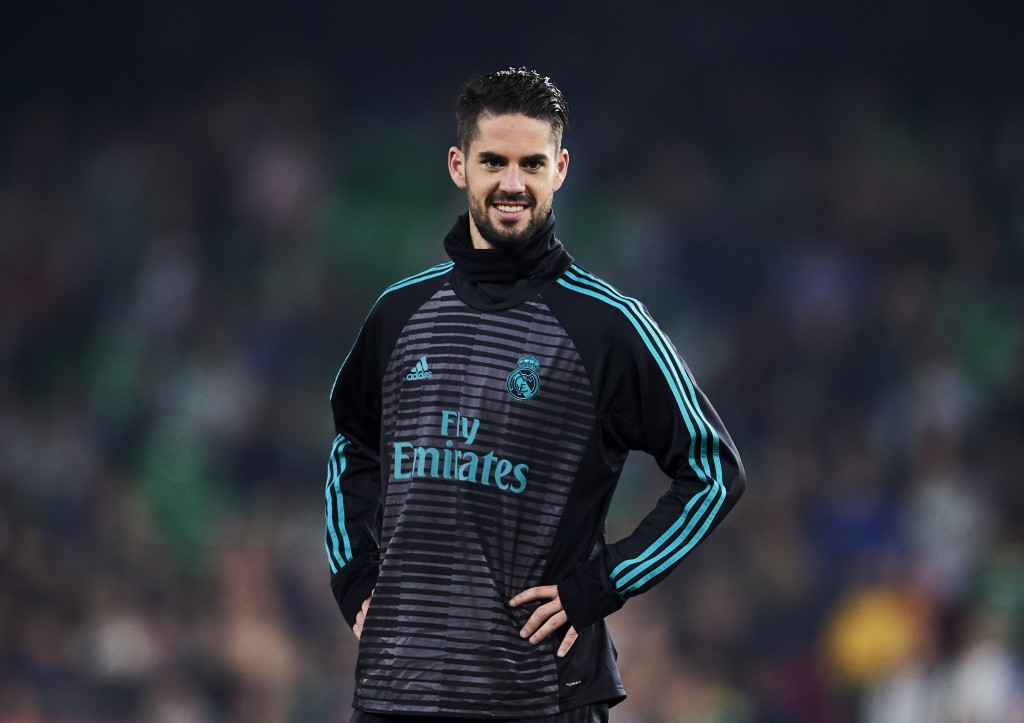 SEVILLE, SPAIN - FEBRUARY 18: Isco Alarcon of Real Madrid looks on during a Real Madrid training session prior to the La Liga match between Real Betis and Real Madrid at Benito Villamrin stadium on February 18, 2018 in Seville, Spain. (Photo by Aitor Alcalde/Getty Images)