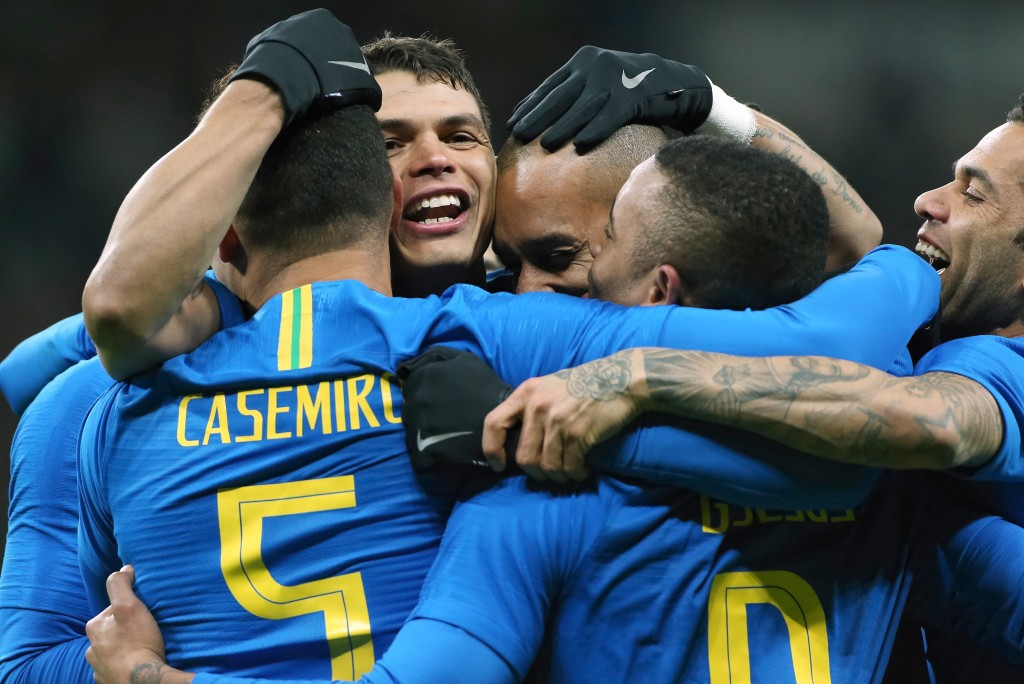 MOSCOW, RUSSIA - MARCH 23: Players of Brazil celebrate a goal during the International friendly match between Russia and Brazil at Luzhniki Stadium on March 23, 2018 in Moscow, Russia. (Photo by Oleg Nikishin/Getty Images)