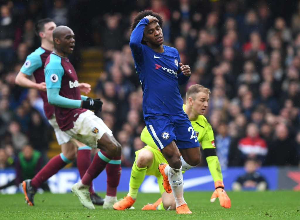 LONDON, ENGLAND - APRIL 08: Willian of Chelsea reacts after a missed chance during the Premier League match between Chelsea and West Ham United at Stamford Bridge on April 8, 2018 in London, England. (Photo by Shaun Botterill/Getty Images)