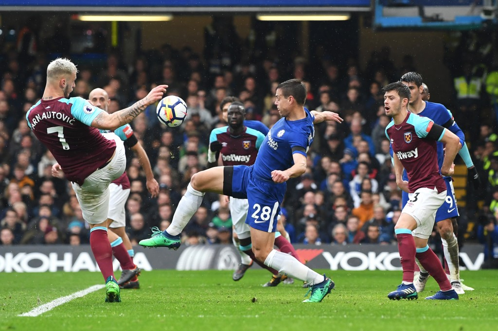 LONDON, ENGLAND - APRIL 08: Cesar Azpilicueta of Chelsea scores his sides first goal during the Premier League match between Chelsea and West Ham United at Stamford Bridge on April 8, 2018 in London, England. (Photo by Shaun Botterill/Getty Images)