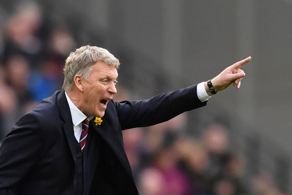 West Ham United's Scottish manager David Moyes gestures during the English Premier League football match between West Ham United and Burnley at The London Stadium, in east London on March 10, 2018. / AFP PHOTO / Ben STANSALL / RESTRICTED TO EDITORIAL USE. No use with unauthorized audio, video, data, fixture lists, club/league logos or 'live' services. Online in-match use limited to 75 images, no video emulation. No use in betting, games or single club/league/player publications. / (Photo credit should read BEN STANSALL/AFP/Getty Images)