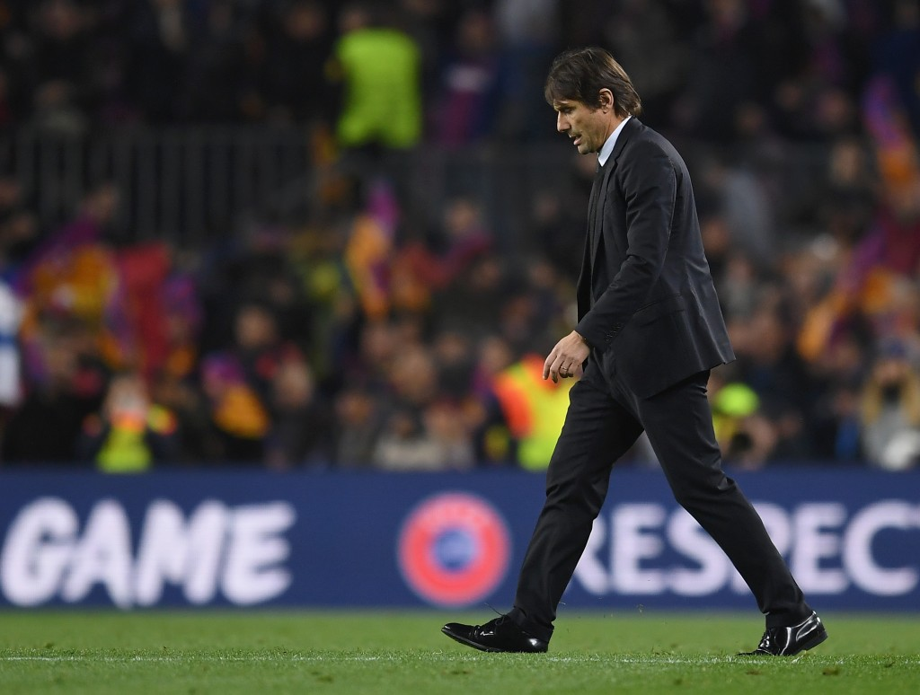 BARCELONA, SPAIN - MARCH 14: Antonio Conte, Manager of Chelsea looks dejected after the UEFA Champions League Round of 16 Second Leg match FC Barcelona and Chelsea FC at Camp Nou on March 14, 2018 in Barcelona, Spain. (Photo by David Ramos/Getty Images)