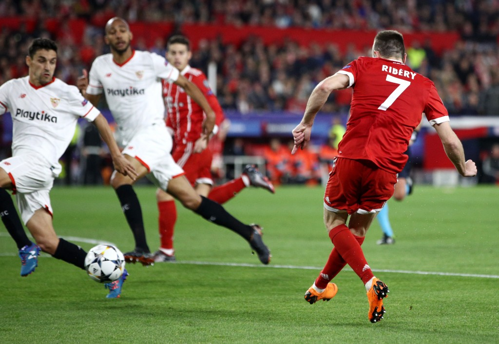 SEVILLE, SPAIN - APRIL 03: Franck Ribery of Bayern Muenchen shoots and his shot is deflected in by Jesus Navas of Sevilla for Bayern Muenchen first goal during the UEFA Champions League Quarter Final Leg One match between Sevilla FC and Bayern Muenchen at Estadio Ramon Sanchez Pizjuan on April 3, 2018 in Seville, Spain. (Photo by Adam Pretty/Getty Images)