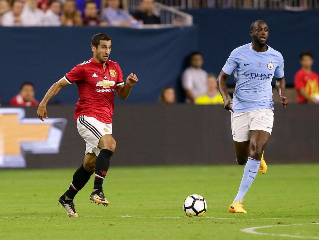 Set to pull on the red of Manchester United? (Photo courtesy - Bob Levey/Getty Images)