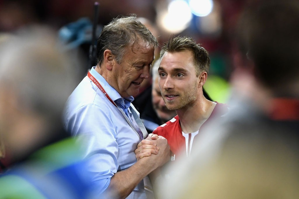 The manager with his trusted lieutenant. (Photo courtesy - Mike Hewitt/Getty Images)