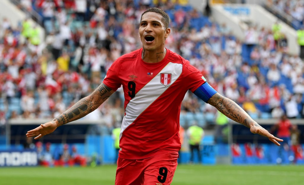 Paolo Guerrero gave Peru fans what they wanted to see, as he scored the goal he so deserved for a stellar career he's had. (Photo courtesy: AFP/Getty)