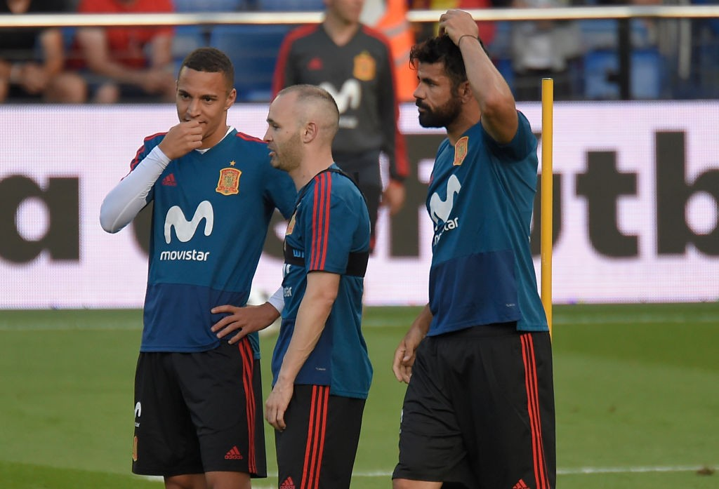 Spain have a great blend of old and young players. (Photo courtesy: AFP/Getty)