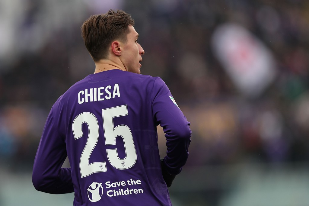 FLORENCE, ITALY - FEBRUARY 25: Federico Chiesa of ACF Fiorentina in action during the serie A match between ACF Fiorentina and AC Chievo Verona at Stadio Artemio Franchi on February 25, 2018 in Florence, Italy. (Photo by Gabriele Maltinti/Getty Images)