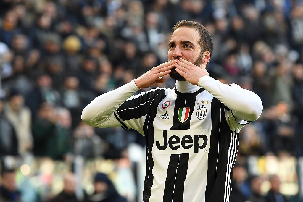 El Pipita heading to London? (Photo by Valerio Pennicino/Getty Images)