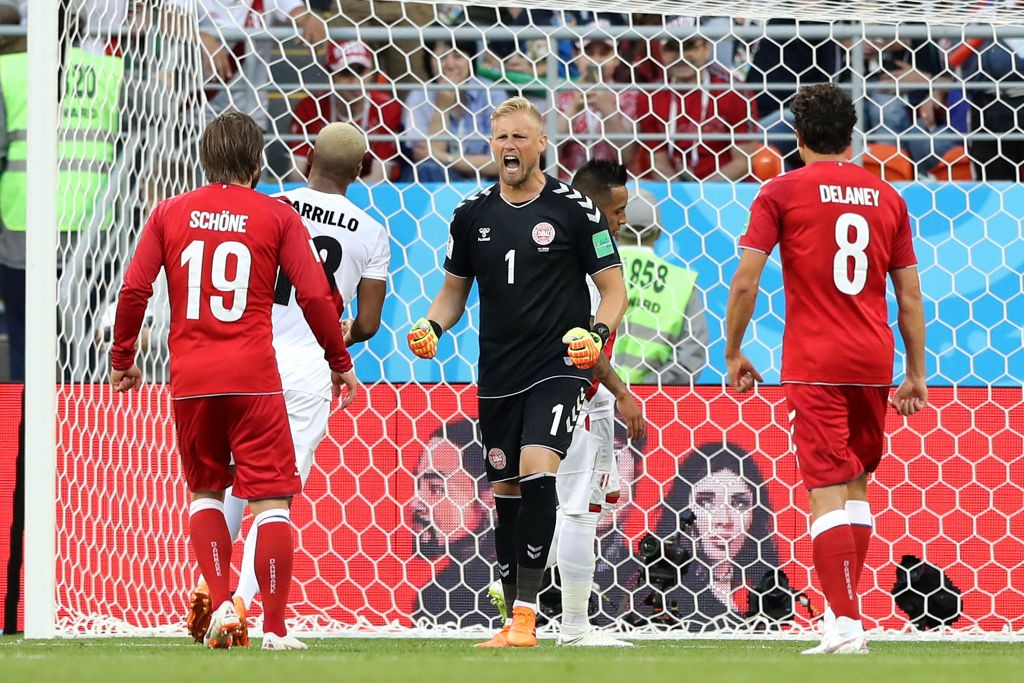 Kasper Schmeichel stodd tall between his post for Denmark as Peru's attackers tried their best to get the ball past him. (Photo courtesy: AFP/Getty)