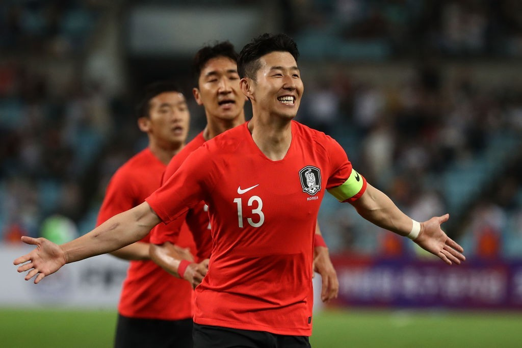 Heung-min Son's popularity is sky hih among South Koreans and is one of the most recognised stars of his country. (Photo courtesy: Chung Sung-Jun/Getty Images)