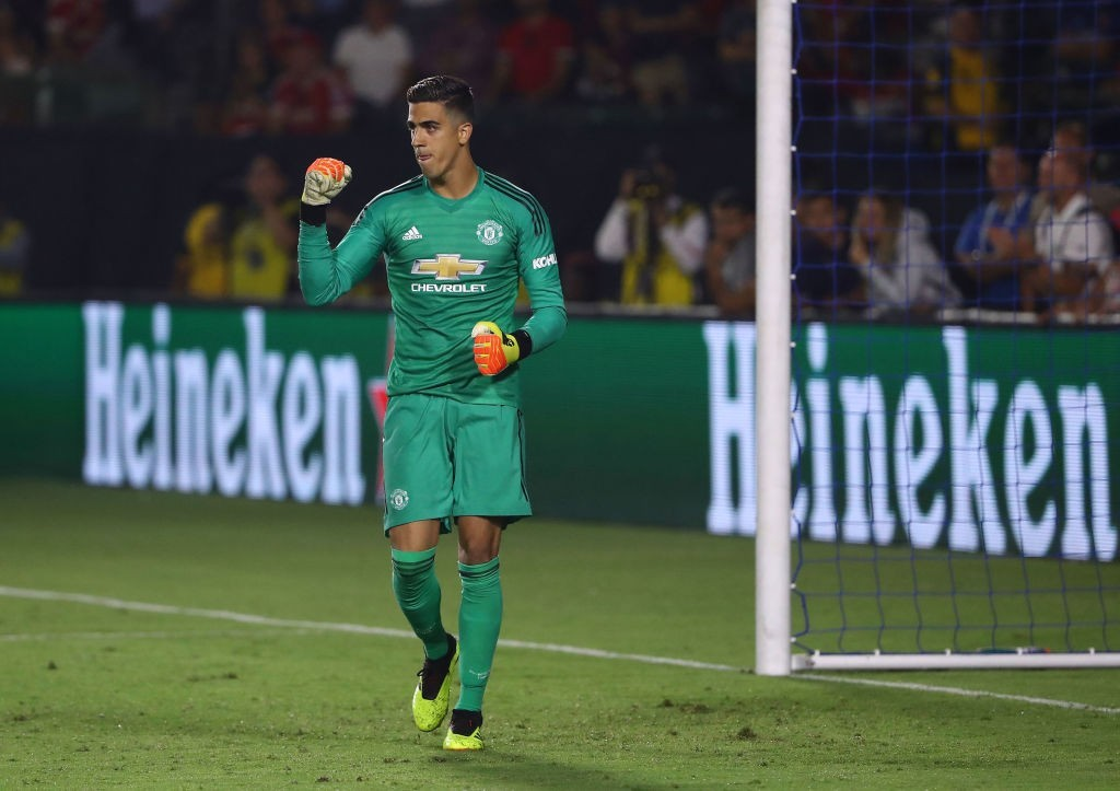 Manchester United make AC Milan pay the penalty in California