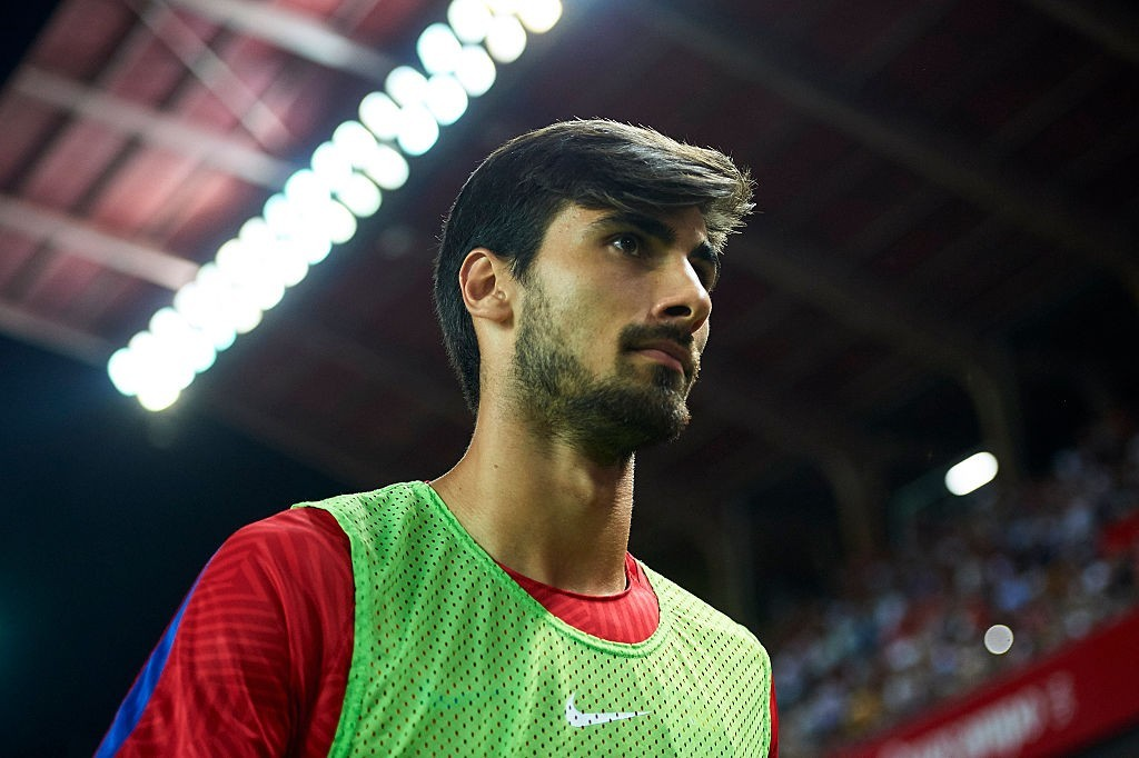 SEVILLE, SPAIN - AUGUST 14: Andre Gomes of FC Barcelona looks on prior to the match between Sevilla FC vs FC Barcelona as part of the Spanish Super Cup Final 1st Leg at Estadio Ramon Sanchez Pizjuan on August 14, 2016 in Seville, Spain. (Photo by Aitor Alcalde/Getty Images)
