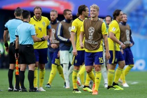 Sweden 1-0 Switzerland: Emil Forsberg's deflected effort the difference in tight contest [Best Tweets]