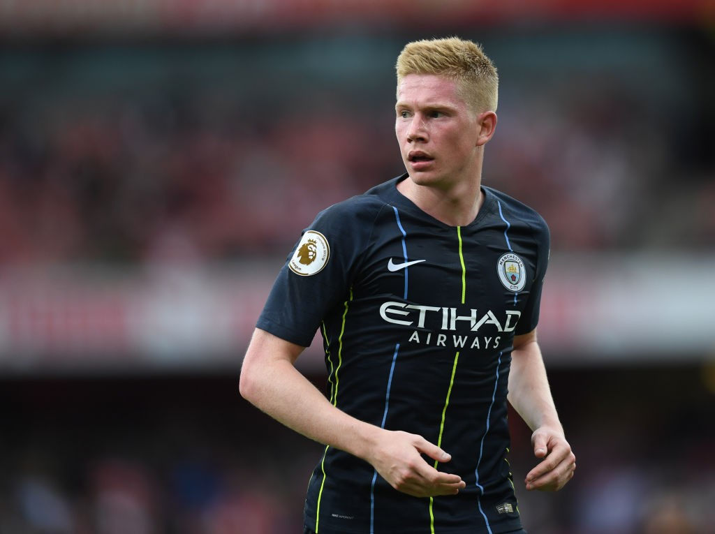 Manchester City's Kevin De Bruyne is set to face months out with a knee injury and his club might regret not signing Fred when they had the chance. (Photo courtesy: AFP/Getty)