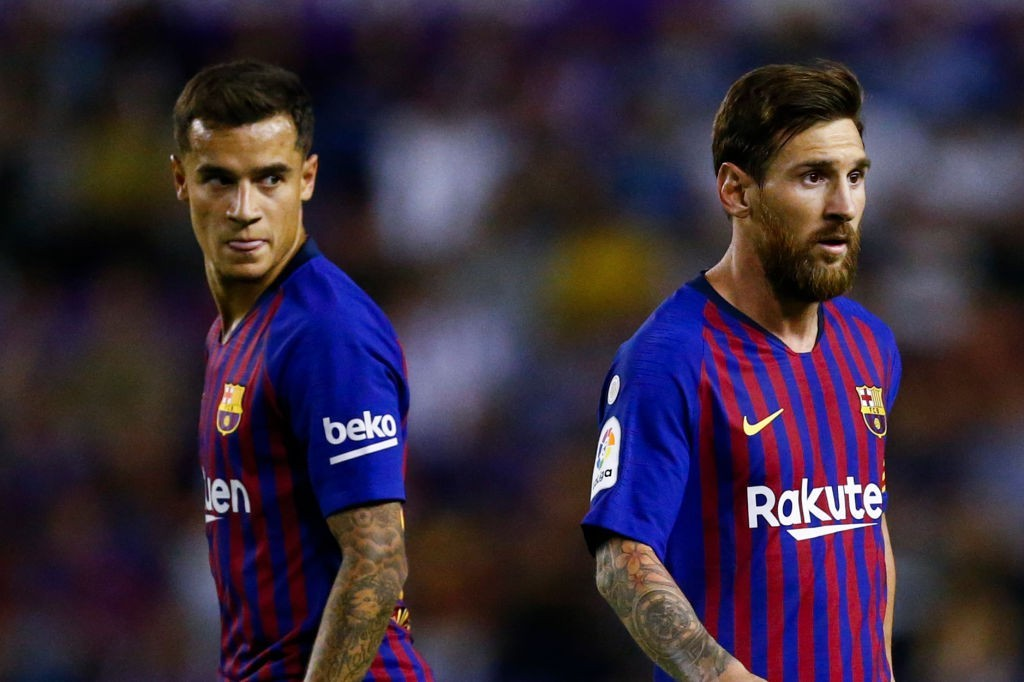Both Coutinho and Messi struggled to make an impact (Photo by BENJAMIN CREMEL/AFP/Getty Images)