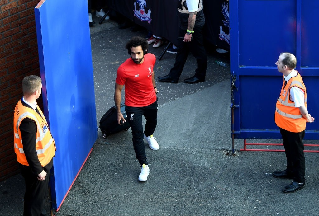 Set to pack his bags and leave for Barcelona? (Photo courtesy - Mike Hewitt/Getty Images)