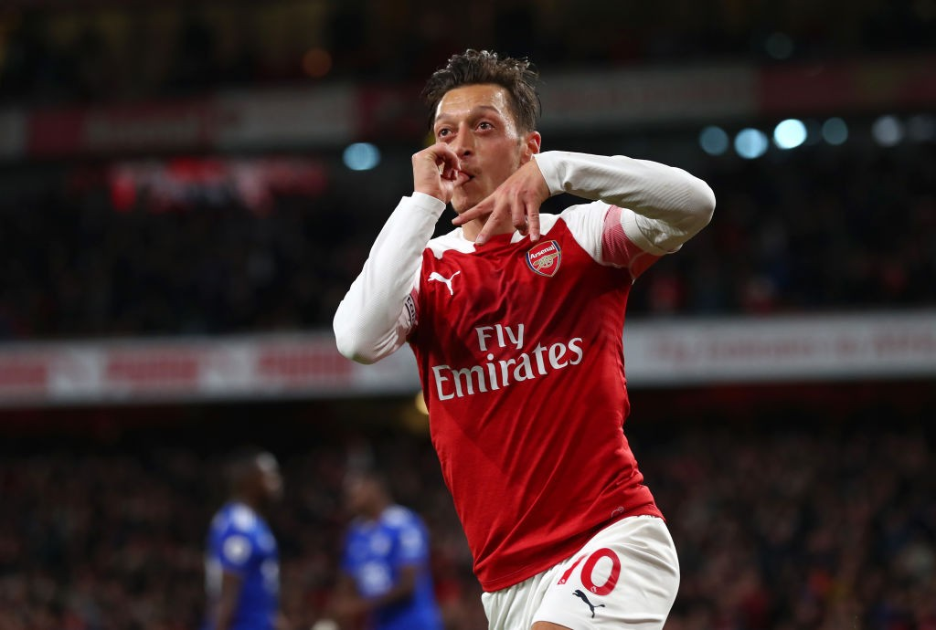Ozil was on fire against Leicester, scoring and assisting to help Arsenal win. (Photo courtesy: AFP/Getty)