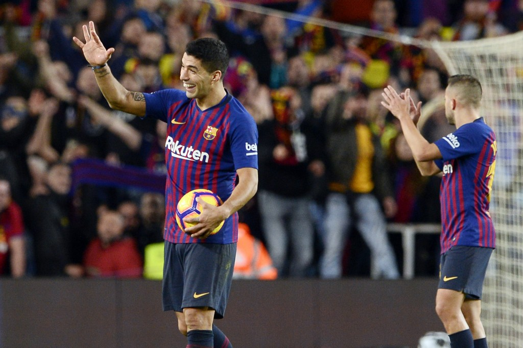 Suarez leads the way (Photo by JOSEP LAGO/AFP/Getty Images)