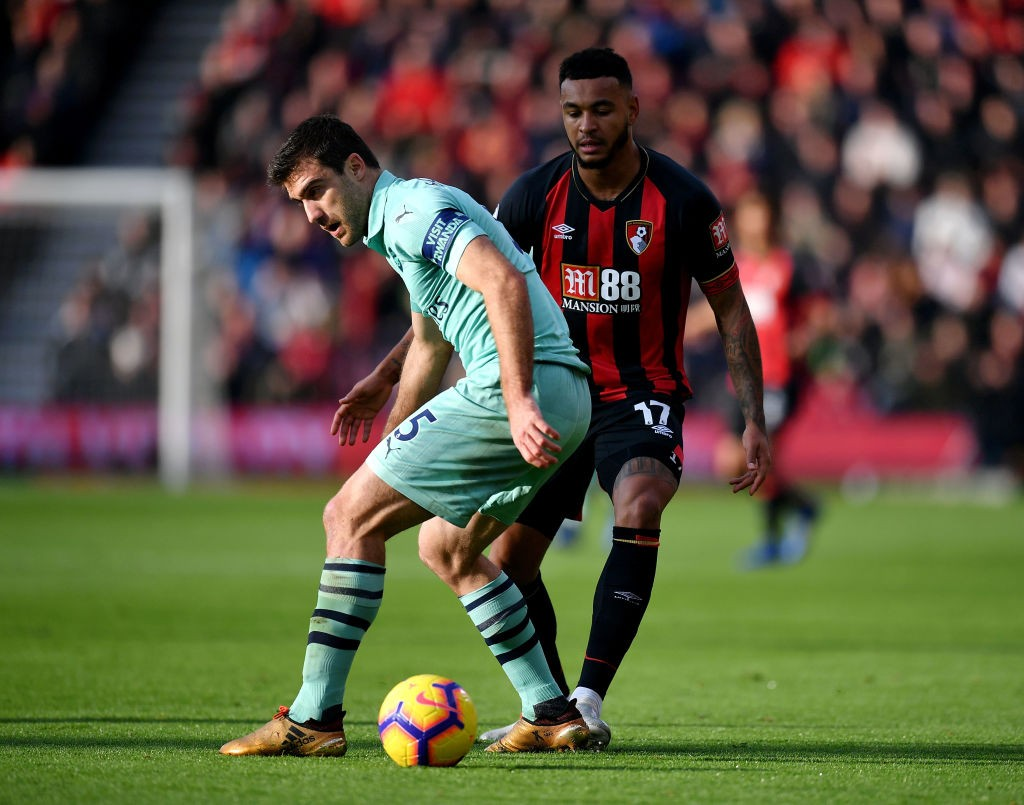 Sokratis would be hoping a stronger performance would bring him back ti Arsenal's Premier League starting lineup. (Photo courtesy: AFP/Getty)