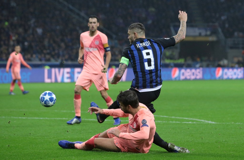 Pique had the measure of Icardi for the most part on Tuesday. (Photo by Emilio Andreoli/Getty Images)