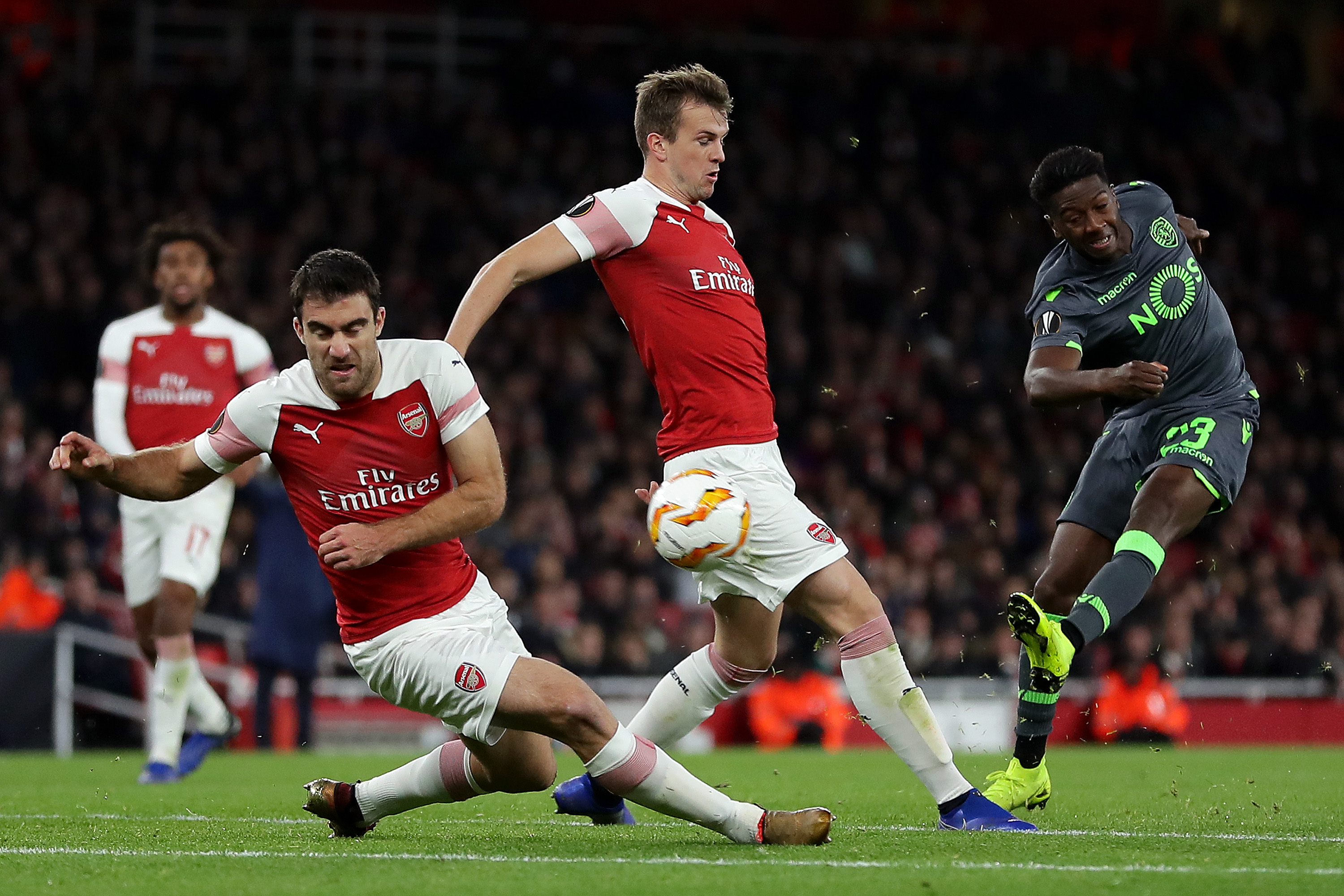 Rob Holding's untimely and unfortunate season ending inury has forced Unai Emery into the transfer market. (Photo courtesy: AFP/Getty)