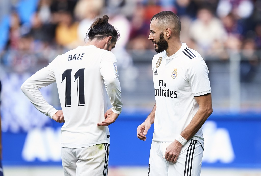 Another frustrating day for Bale and Benzema. (Photo by Juan Manuel Serrano Arce/Getty Images)