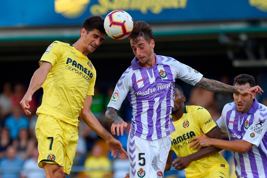 Fernando Calero (R) is a prime defensive target for Arsenal i the January window. (Photo courtesy: AFP/Getty)