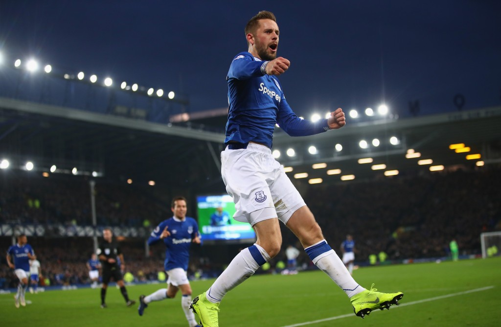 Can Sigurdsson inspire Everton to a popular win over arch-rivals Liverpool? (Photo by Clive Brunskill/Getty Images)