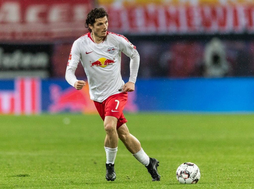 LEIPZIG, GERMANY - DECEMBER 02: Marcel Sabitzer of RB Leipzig runs with the ball controls the ball during the Bundesliga match between RB Leipzig and Borussia Moenchengladbach at Red Bull Arena on December 2, 2018 in Leipzig, Germany. (Photo by Boris Streubel/Bongarts/Getty Images)