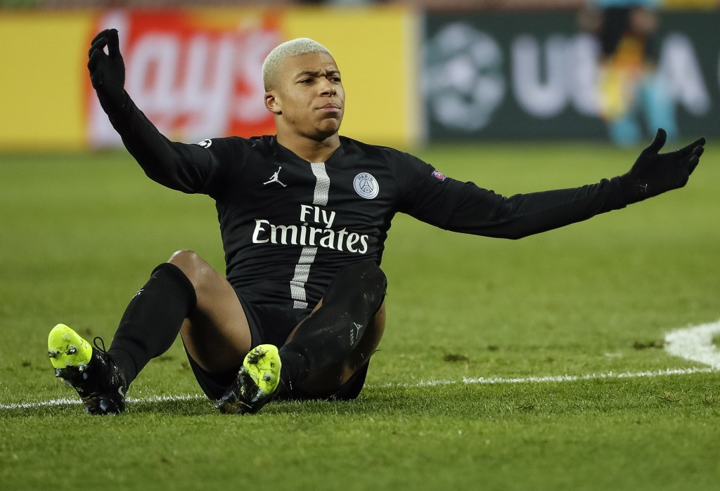 PSG could be forced to sell either Mbappe or Neymar. (Photo by Srdjan Stevanovic/Getty Images)