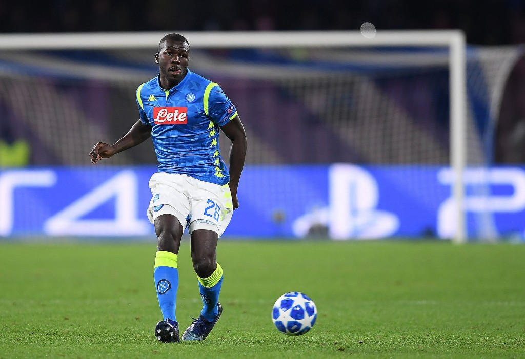 Napoli are keeping a tight hold of their star defender. (Photo by Francesco Pecoraro/Getty Images)
