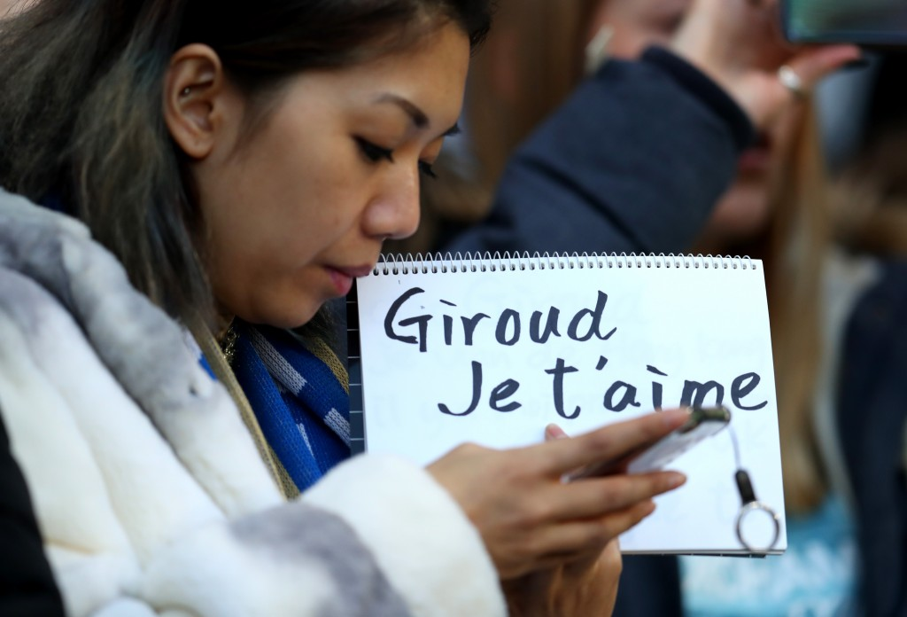 Love for Giroud. (Picture Courtesy - AFP/Getty Images)