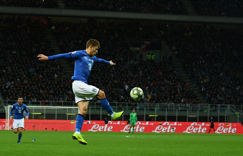 Will Manchester United get their hands on Barella, or will he end up donning the blues of Chelsea? (Photo by Claudio Villa/Getty Images)