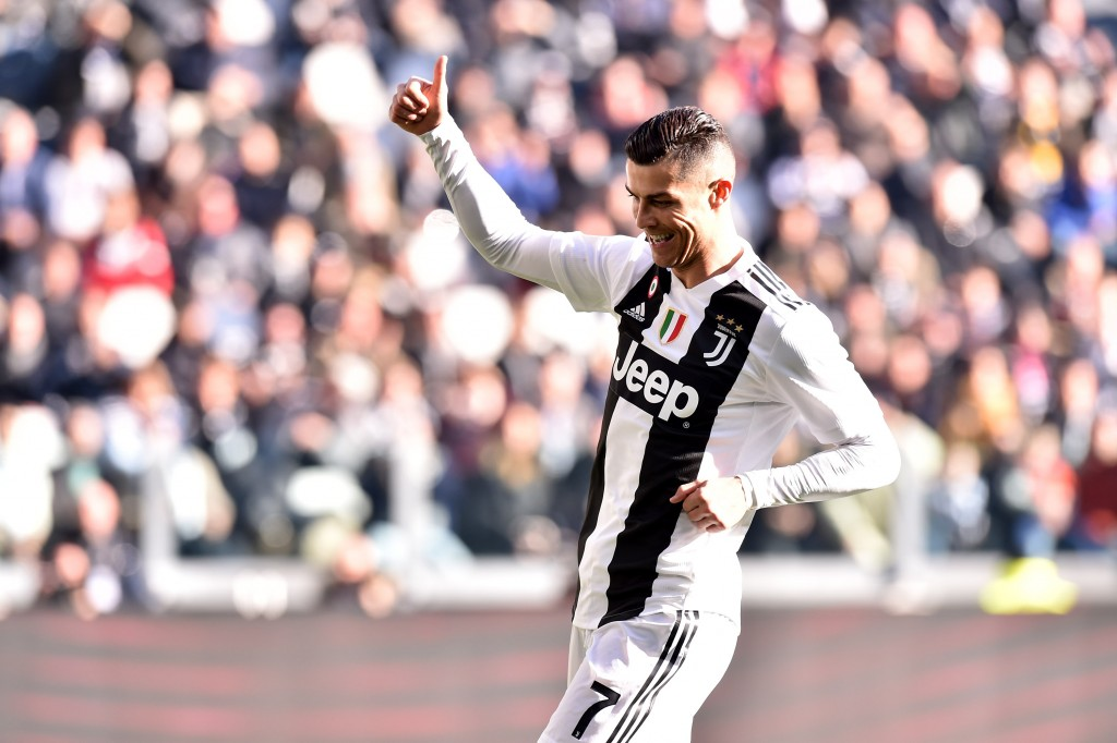 TURIN, ITALY - DECEMBER 29: Cristiano Ronaldo of Juventus gestures during the Serie A match between Juventus and UC Sampdoria on December 29, 2018 in Turin, Italy. (Photo by Tullio M. Puglia/Getty Images)