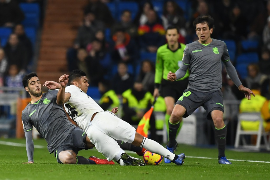 Casemiro conceded an early penalty (Photo by GABRIEL BOUYS/AFP/Getty Images)