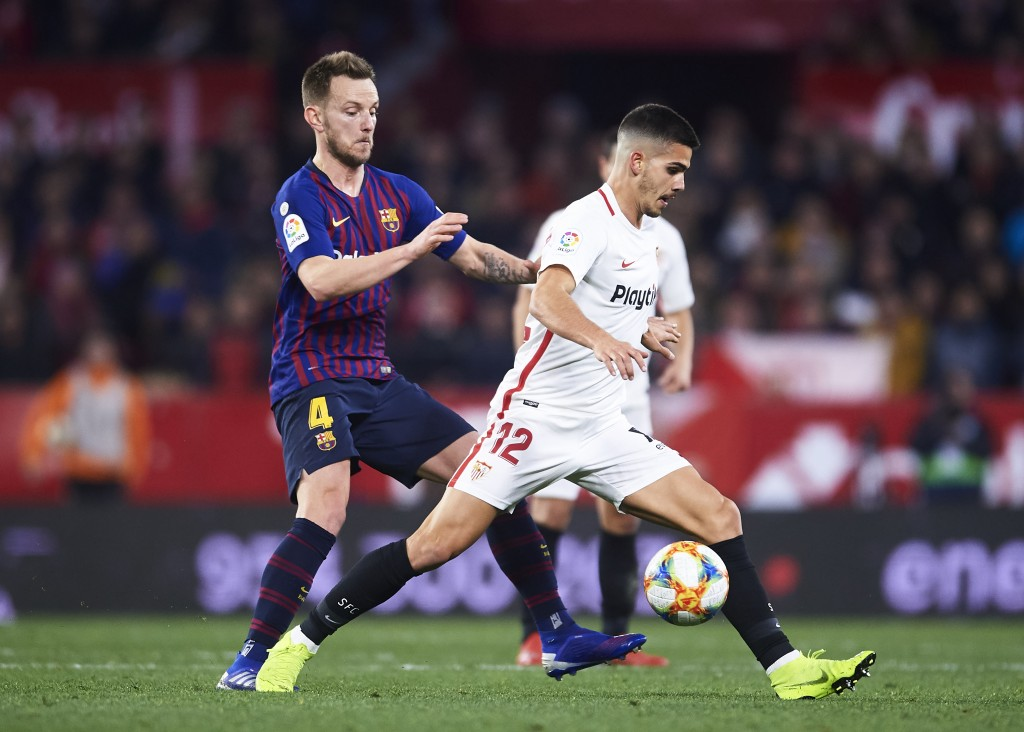 Rakitic was one of the few positives for Barcelona against Sevilla. (Photo by Aitor Alcalde/Getty Images)