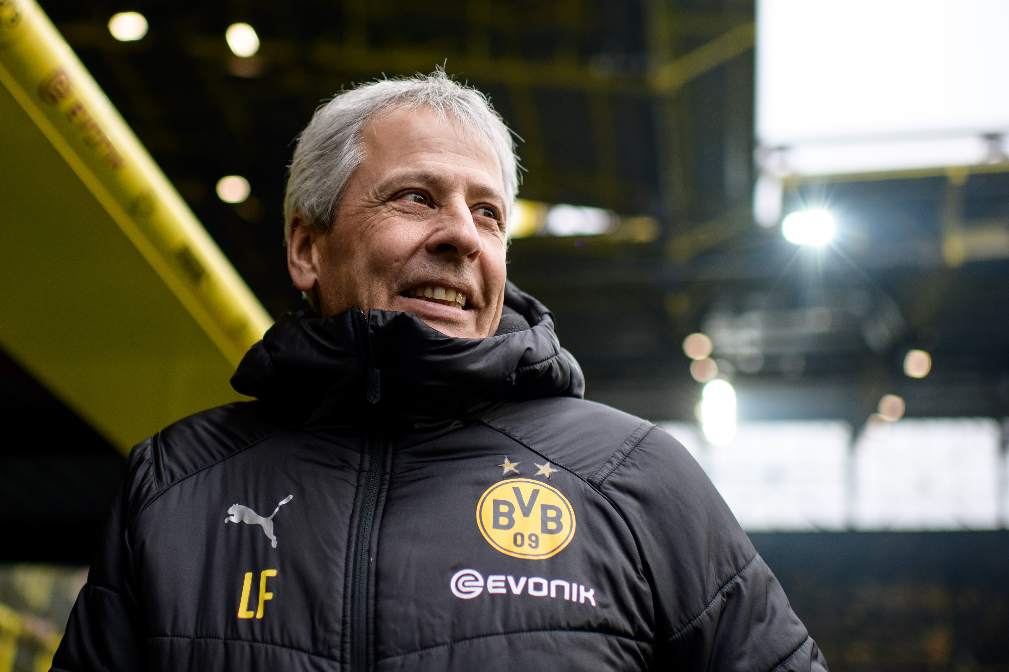 Dortmund head coach Lucien Favre is known to put his trust in youngsters (Photo by Jörg Schüler/Getty Images)