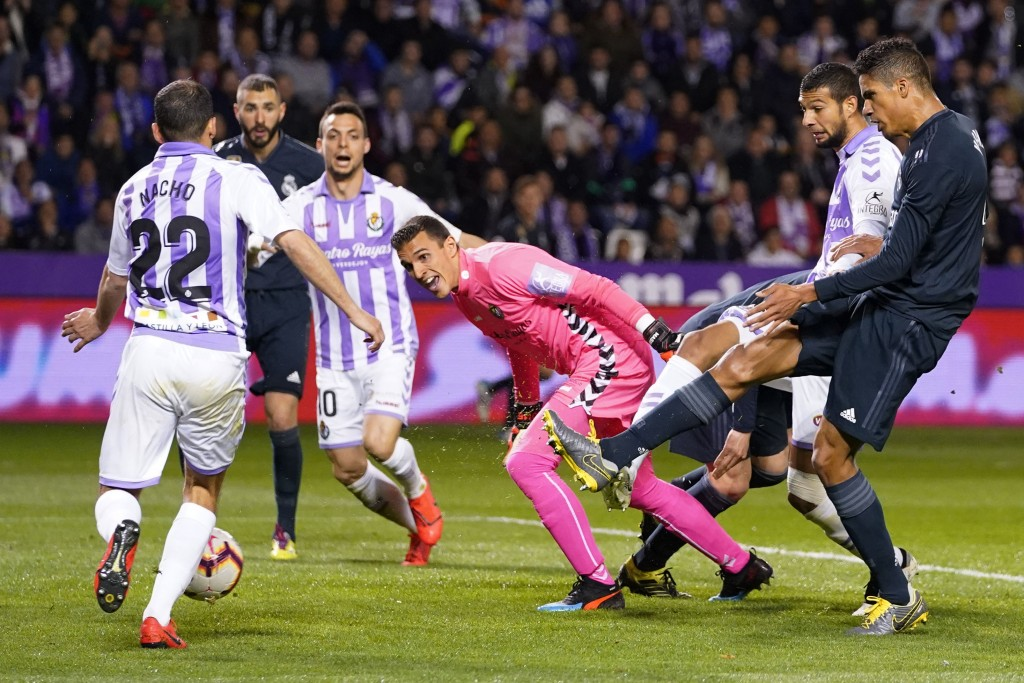 Varane's goal kickstarted Real Madrid's comeback (Photo by CESAR MANSO/AFP/Getty Images)