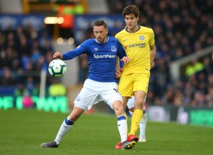 Everton 2-0 Chelsea: Blues' Champions League hopes dealt a blow after disappointing defeat [Tweets]