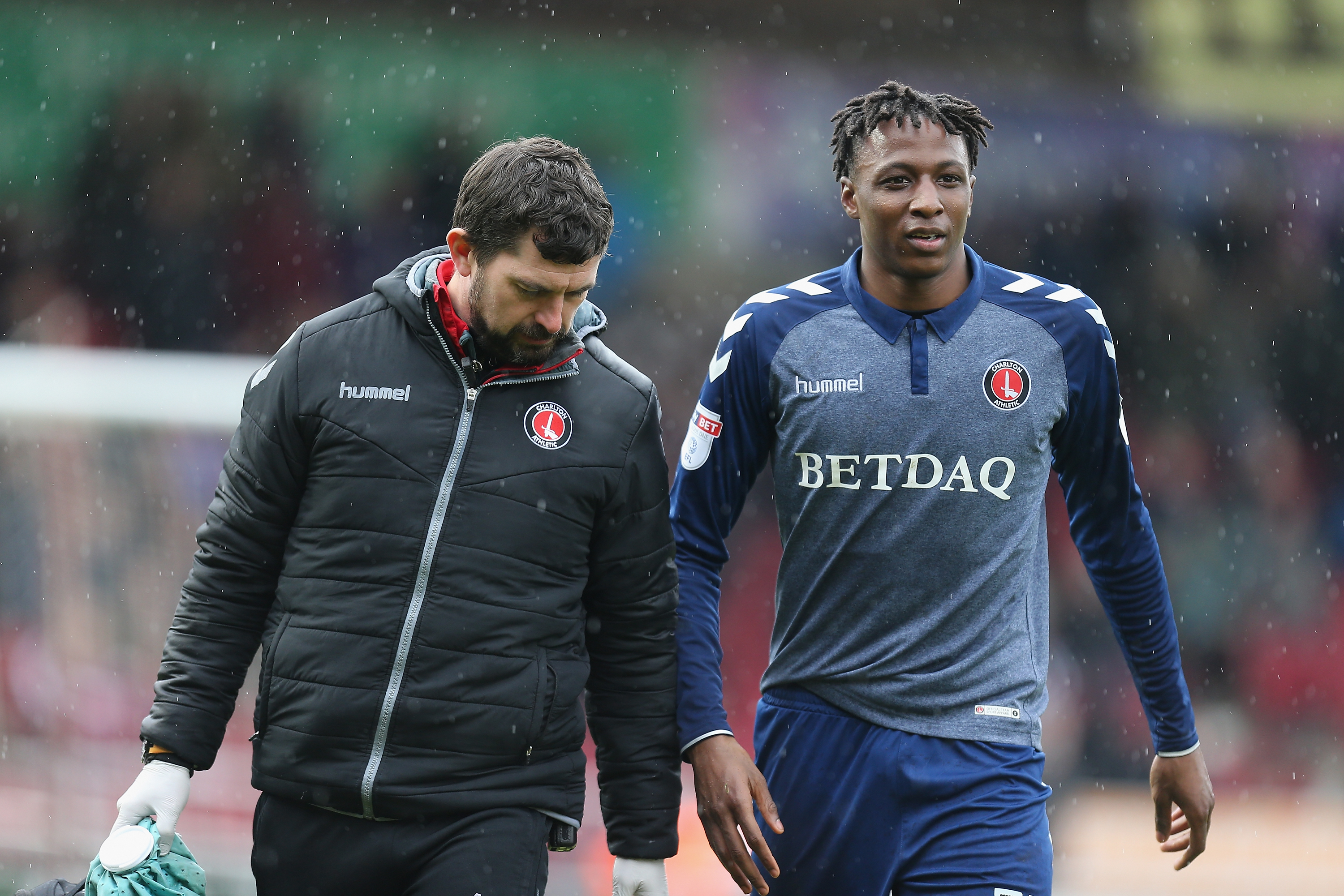 Joe Aribo's contractual situation at Charlton will need Arsenal to pay a small compensation fee for the midfielder. (Photo courtesy: AFP/Getty)