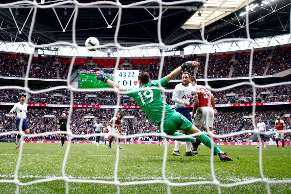 Leno saves from Sissoko's bullet shot. (Photo courtesy: AFP/Getty)