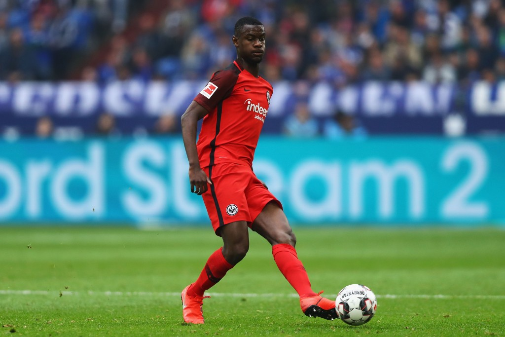 GELSENKIRCHEN, GERMANY - APRIL 06: Evan N'Dicka of Eintracht Frankfurt in action during the Bundesliga match between FC Schalke 04 and Eintracht Frankfurt at Veltins-Arena on April 06, 2019 in Gelsenkirchen, Germany. (Photo by Dean Mouhtaropoulos/Bongarts/Getty Images)
