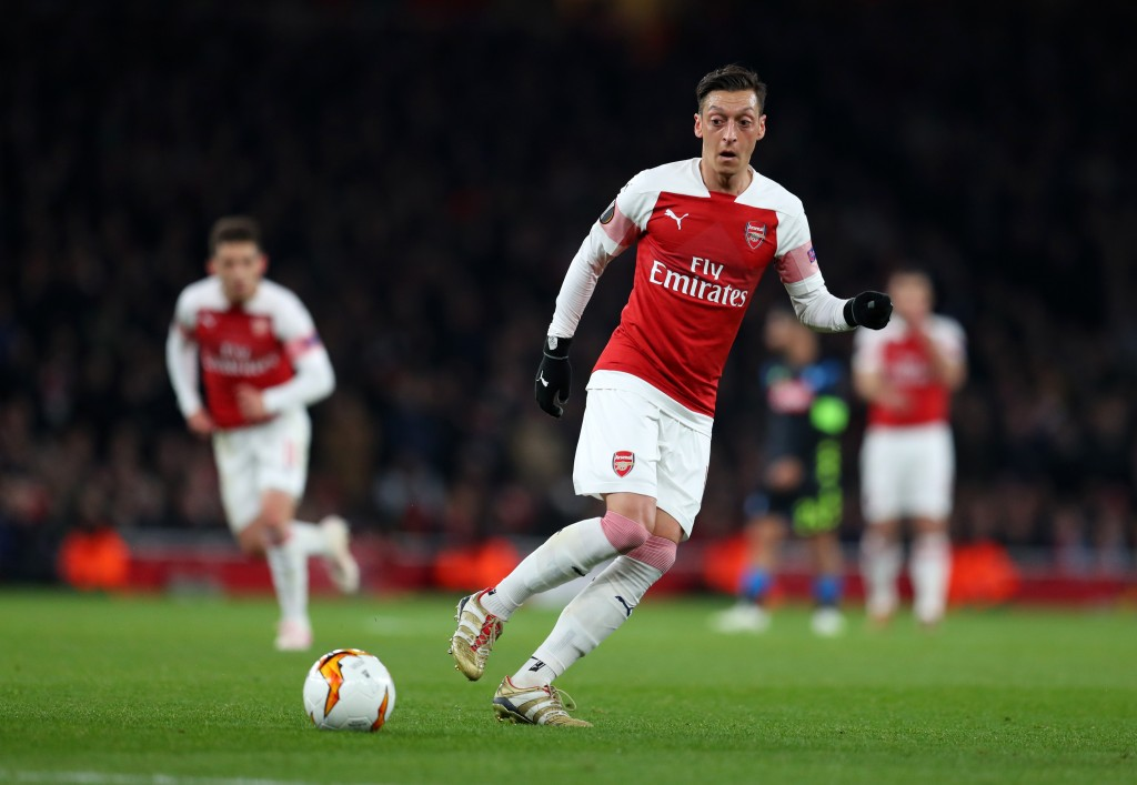 Pierre Emerick Aubameyang fires Arsenal back into
