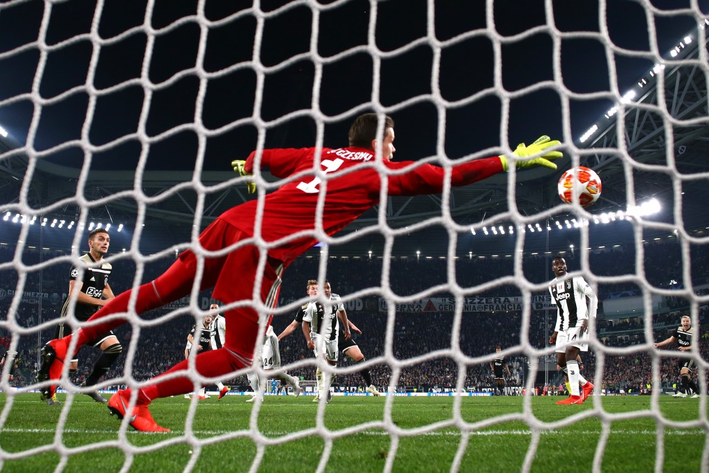 Szczesny made two good saves but could not keep De Ligt's header out (Photo by Michael Steele/Getty Images)