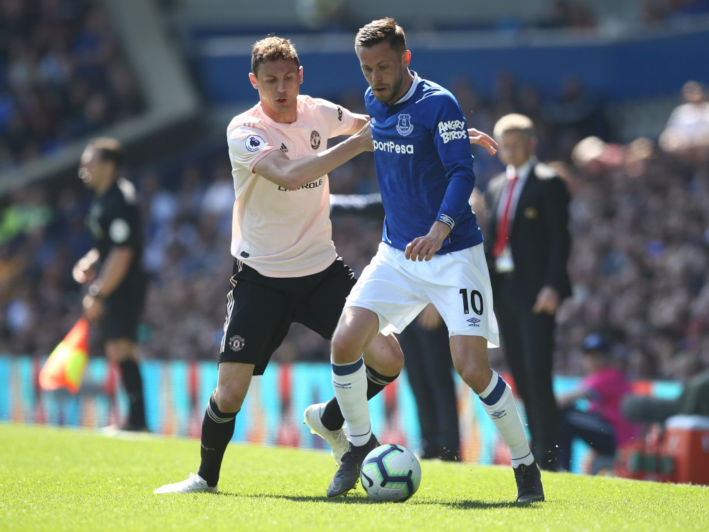 Sigurdsson completely owned Matic on Sunday. (Photo by Jan Kruger/Getty Images)