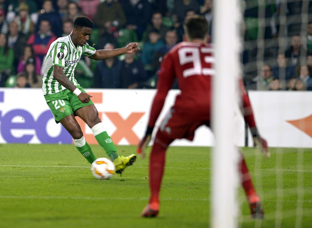 Real Betis will unlikely be able to hold Junior Firpo amid interest from Manchester United and Real Madrid. (Picture Courtesy - AFP/Getty Images)