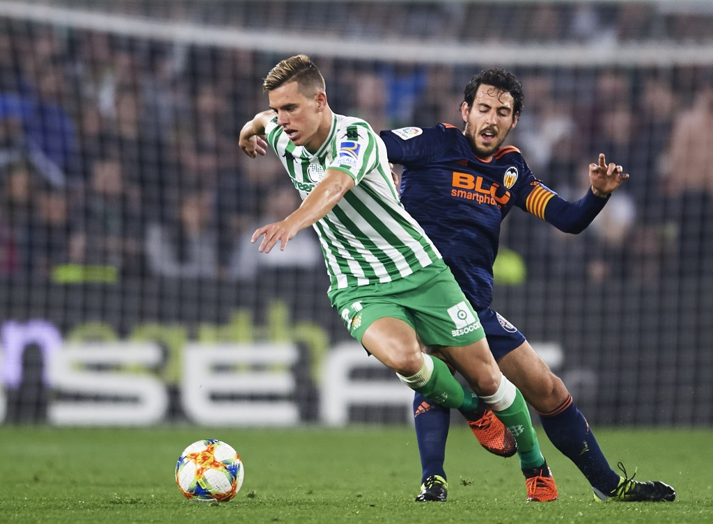 Swerving through the crowd, Giovani Lo Celso has grabbed eyeballs after a stellar 2018-19 campaign. (Picture Courtesy - AFP/Getty Images)