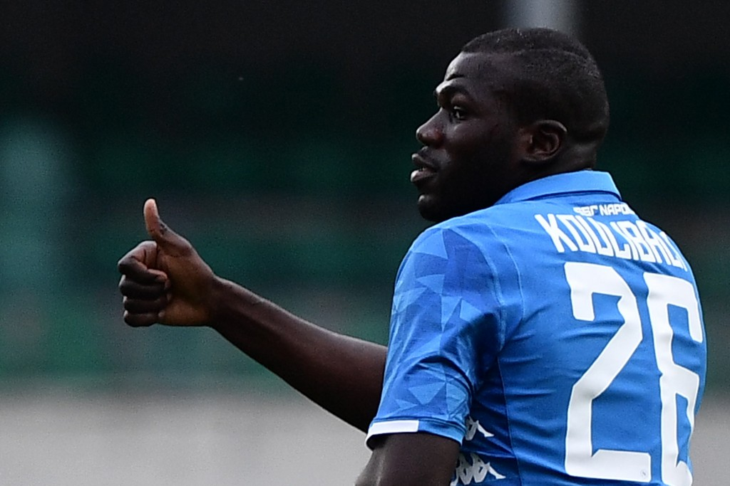 Thumbs up to a future with Napoli. (Photo by Marco Bertorello/AFP/Getty Images)